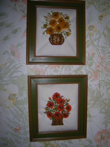 a wall hanging set